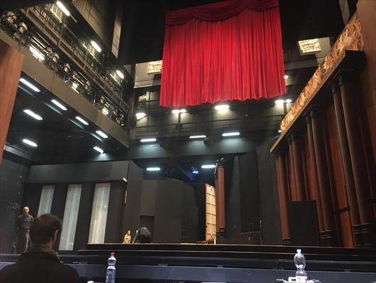 劇場_03.jpg
